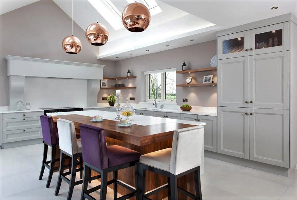 Image Doran's Kitchen Lighting, colours and upholstery by  Heather Interior Design